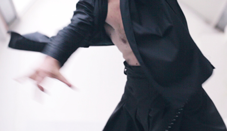WHEN CLOTHES CREATE THE RHYTHM